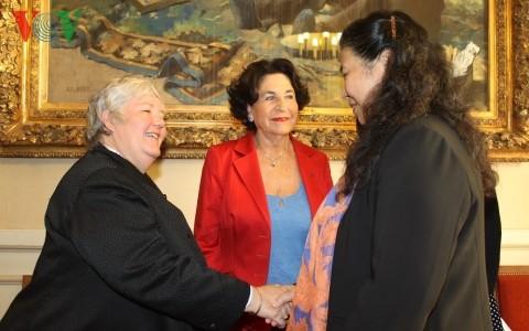 Phó Chủ tịch Quốc Hội Tòng Thị Phóng thăm Thượng viện Pháp - ảnh 1