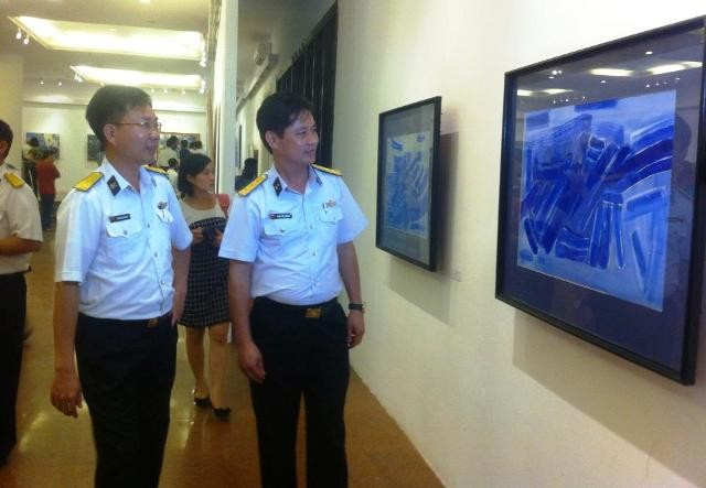 Triển lãm về biển đảo và chiến sĩ hải quân  - ảnh 1