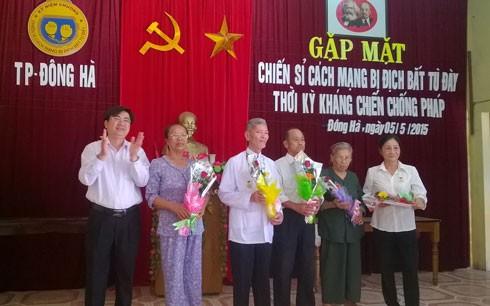 Quảng Trị gặp mặt chiến sĩ bị địch bắt tù đày thời kỳ kháng chiến chống Pháp - ảnh 1