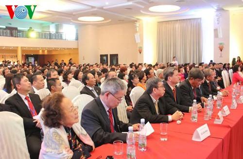 Chủ tịch nước Trương Tấn Sang thăm cấp Nhà nước tới Cộng hòa Séc - ảnh 2