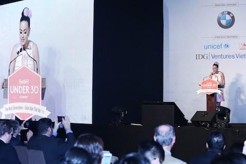 """Katy Perry diễn thuyết tại Diễn đàn tuổi trẻ """"Thế hệ tiếp nối"""" Thành phố Hồ Chí Minh  - ảnh 1"""