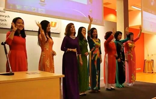 """Khai mạc triển lãm ảnh """"Việt Nam – Quốc gia của biển và các quần đảo"""" tại  Ba Lan - ảnh 3"""