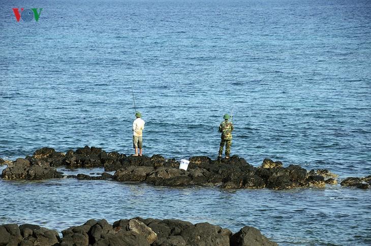 Cồn Cỏ - hòn ngọc thô giữa biển xanh quyến rũ - ảnh 8