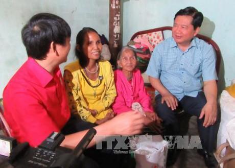 Chăm lo Tết cho hộ nghèo và nạn nhân chất độc da cam  - ảnh 1