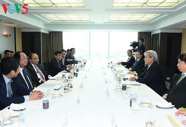 Thủ tướng Nguyễn Xuân Phúc gặp gỡ các nhà đầu tư Nhật Bản - ảnh 1