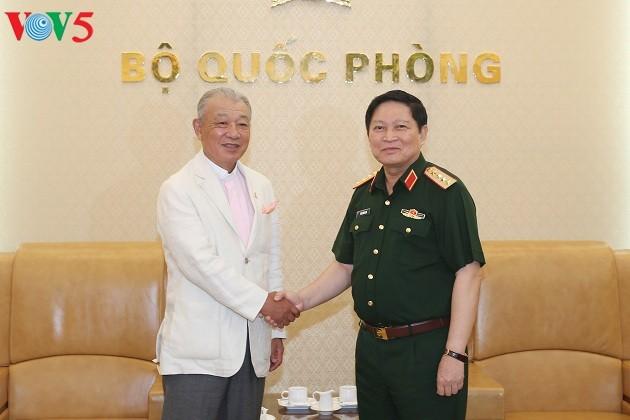 Bộ trưởng Bộ Quốc phòng Việt Nam tiếp Chủ tịch danh dự Quỹ hòa bình Sasakawa Nhật Bản - ảnh 1