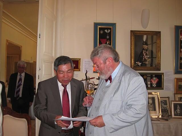 Dịch giả Giáp Văn Chung: Người mở rộng Cánh cửa văn học Hungary - ảnh 1