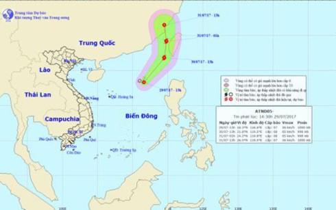 Áp thấp nhiệt đới cách quần đảo Hoàng Sa 490 km, mạnh cấp 7 - ảnh 1