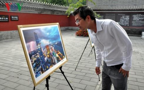 Triển lãm tranh - giao lưu văn hoá Việt Nam tại Bắc Kinh - ảnh 3