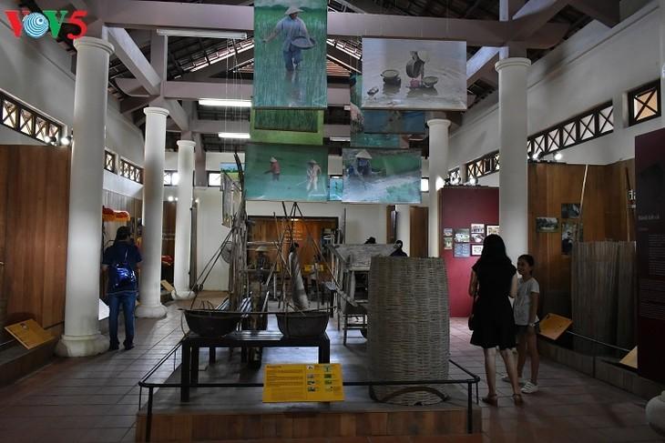 Nông thôn Huế ở nhà trưng bày nông cụ Thanh Toàn