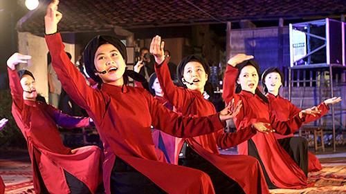 Das Tourismusprogramm und die Feier zur Ehrung des Xoan-Gesangs in Phu-Tho - ảnh 1