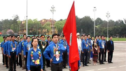 Jugendverband besucht Ho Chi Minh-Mausoleum - ảnh 1