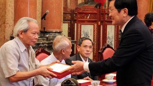 Staatspräsident Truong Tan Sang trifft Personenschützer von Ho Chi Minh - ảnh 1