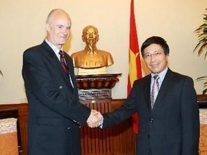 Außenminister Pham Binh Minh empfängt Prinz Alfred von Liechtenstein - ảnh 1