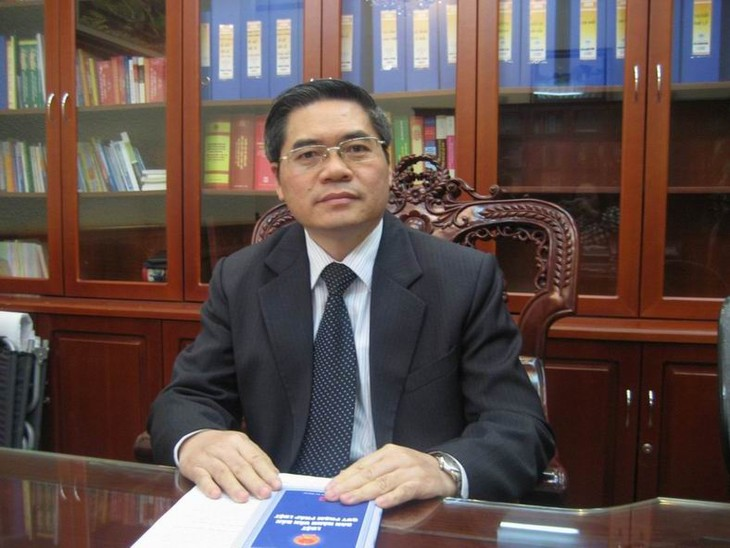 Forum zur Politik über Gesetzgebung im Jahr 2014 - ảnh 1