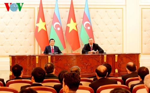 Staatspräsident Truong Tan Sang beendet seinen Besuch in Aserbaischan - ảnh 1