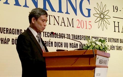 """""""Banking Vietnam 2015"""" ist zum Wissenschafts- Technologie-Forum für Banken geworden - ảnh 1"""
