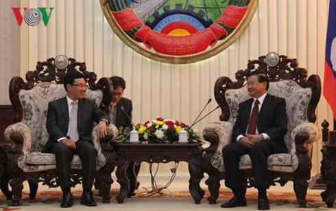 Die Arbeit des Vize-Premierministers Pham Binh Minh in Laos - ảnh 1