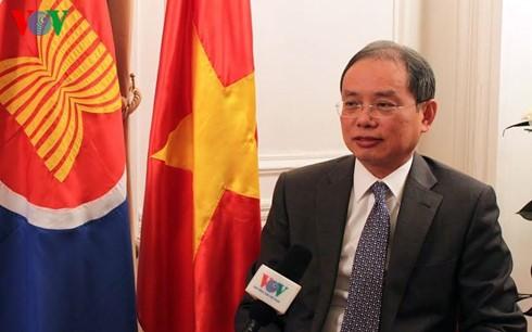 Der Vietnam-Besuch des französischen Präsidenten gibt der Beziehung zwischen beiden Staaten Ansporn - ảnh 1