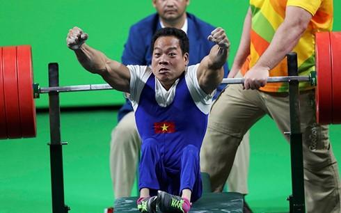 Gewichtheber Le Van Cong und sein Erfolg für den vietnamesischen Sport - ảnh 1