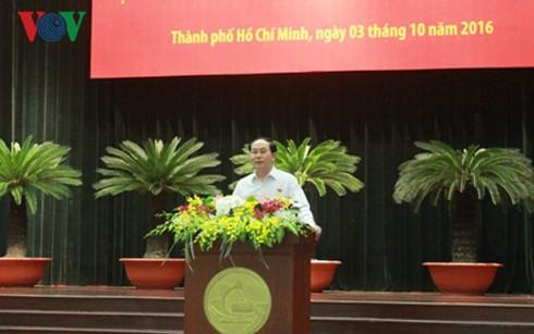 Staatspräsident trifft Unternehmer in Ho Chi Minh Stadt - ảnh 1