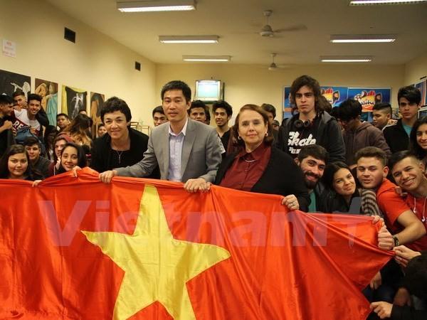 Werbung des vietnamesischen Images in Argentinien - ảnh 1