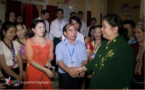 Vize-Parlamentspräsidentin Tong Thi Phong besucht die Provinz Nghe An - ảnh 1