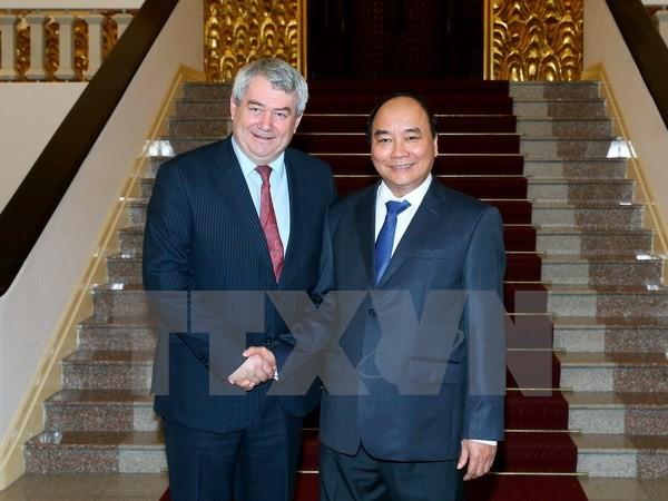 Premierminister Nguyen Xuan Phuc empfängt den Präsident der KSČM aus  Tschechien - ảnh 1
