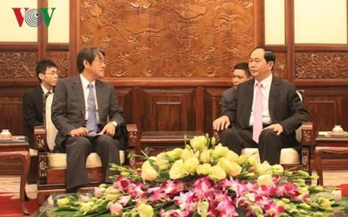 Staatspräsident Tran Dai Quang empfängt die neuen Botschafter - ảnh 1