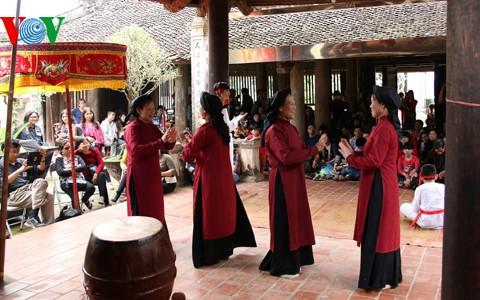 """Klub """"Das Erbe vietnamesischer Dörfer"""" verbindet Menschen, die traditionelle Kultur lieben - ảnh 2"""