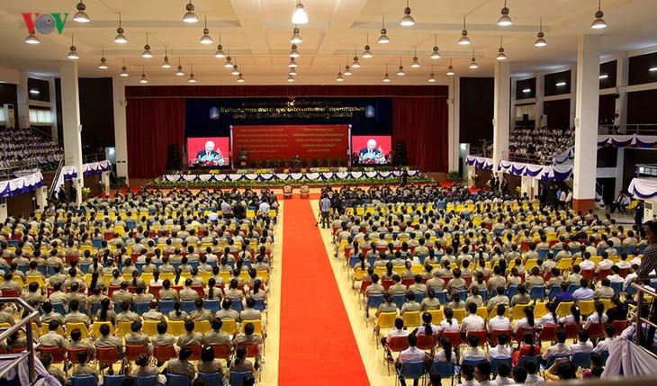 Die jungen Generationen sollen zur Entwicklung der Beziehungen zwischen Vietnam und Laos beitragen - ảnh 2