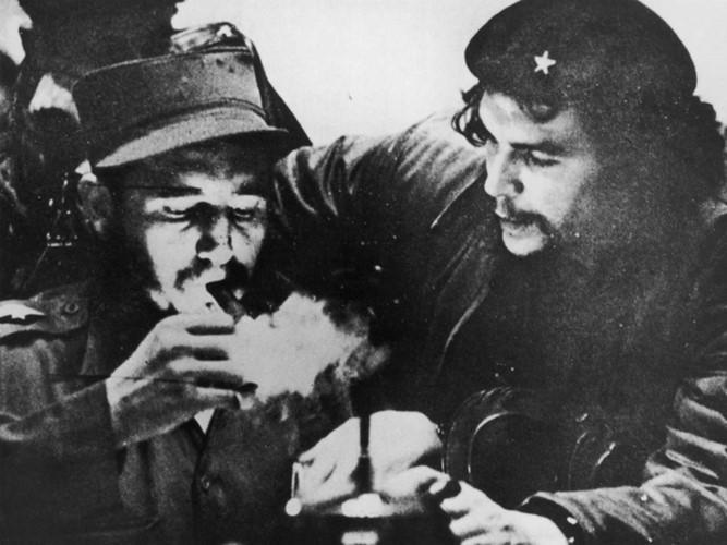 Das Leben und die Karriere des kubanischen Revolutionsführers Fidel Castro - ảnh 4