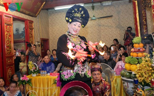 Der Glaube an Muttergöttinnen von Vietnamesen: Ehrung ewiger Werte - ảnh 2