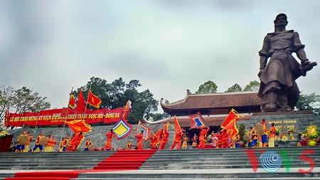Dong Da-Hügelfest: Darstellung des historischen Kampfes gegen die Eroberung - ảnh 15
