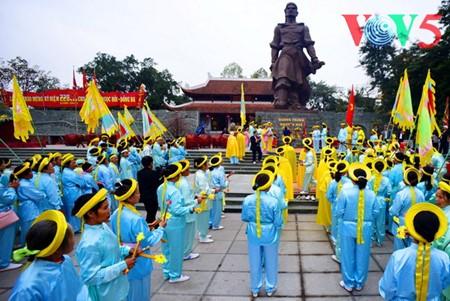 Dong Da-Hügelfest: Darstellung des historischen Kampfes gegen die Eroberung - ảnh 5