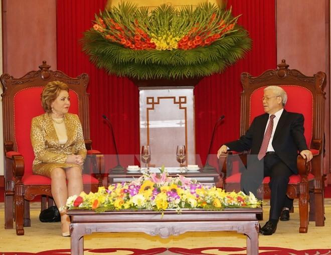 KPV-Generalsekretär Nguyen Phu Trong empfängt die Vorsitzende des russischen Föderationsrates  - ảnh 1