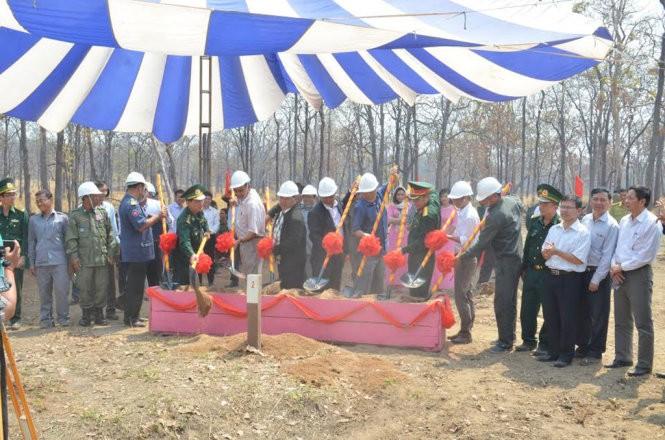 Baubeginn von zwei Grenzsteinen an der Grenze zwischen Vietnam und Kambodscha - ảnh 1