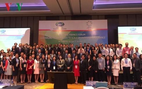 APEC sucht Maßnahmen zur finanziellen Unterstützung für kleine und mittlere Unternehmen - ảnh 1