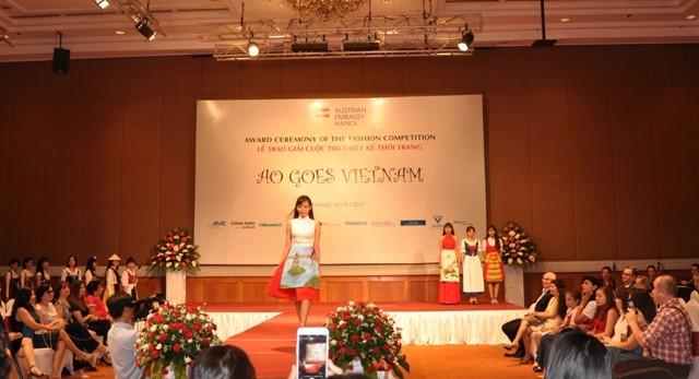 Das österreichische Dirndl im vietnamesischen Stil - ảnh 2