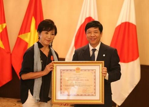 Agent orange: une amie japonaise des victimes vietnamiennes à l'honneur - ảnh 1