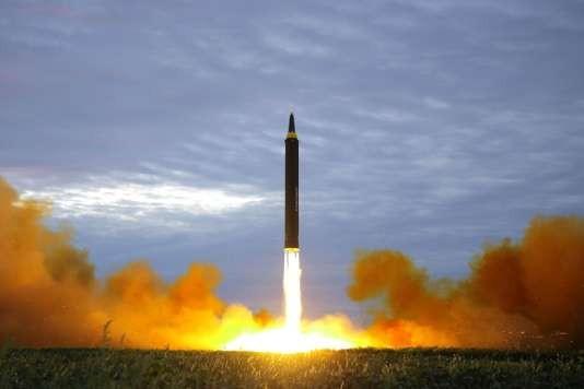Pyongyang tire un nouveau missile au dessus du Japon - ảnh 1