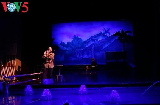 «L'âme du village vietnamien», un hommage à la musique traditionnelle - ảnh 1