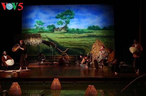 «L'âme du village vietnamien», un hommage à la musique traditionnelle - ảnh 3