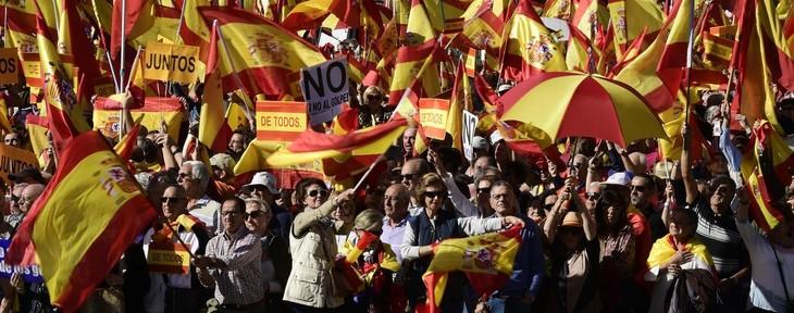Madrid reprend la Catalogne en main - ảnh 1