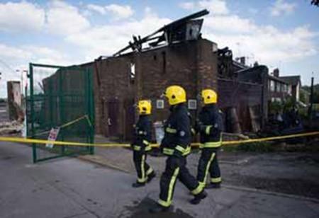 อังกฤษรับมือกับการโจมตีชาวมุสลิมในกรุงลอนดอน - ảnh 1