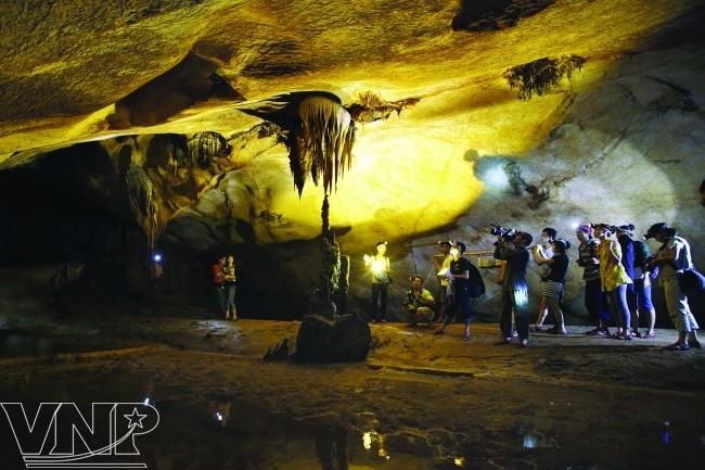 จังหวัด กว๋างบิ่ง(Quảng Bình) - จุดนัดพบของนักท่องเที่ยวในภาคกลางเวียดนาม - ảnh 1