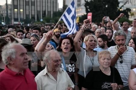 กรีซต้องการเงินช่วยเหลืออีก 5 หมื่นล้านยูโรเพื่อปรับเสถียรภาพทางการเงิน - ảnh 1