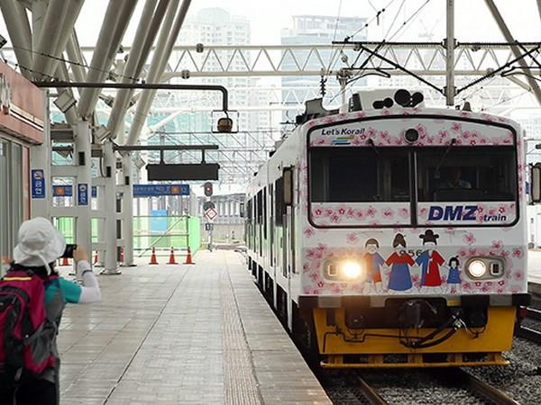 ฟื้นฟูเส้นทางรถไฟสายกรุงโซล-Wonsan:จุดเริ่มต้นความร่วมมือระหว่าง2ภาคเกาหลี - ảnh 1