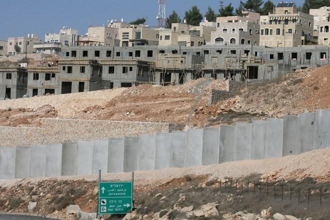 อิสราเอลออกใบอนุญาตก่อสร้างที่อยู่อาศัย 906 หลังในเขต เวสต์แบงก์   - ảnh 1