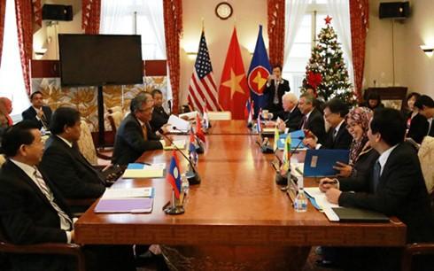 อาเซียนและสหรัฐหารือเกี่ยวกับความสัมพันธ์ทวิภาคี - ảnh 1